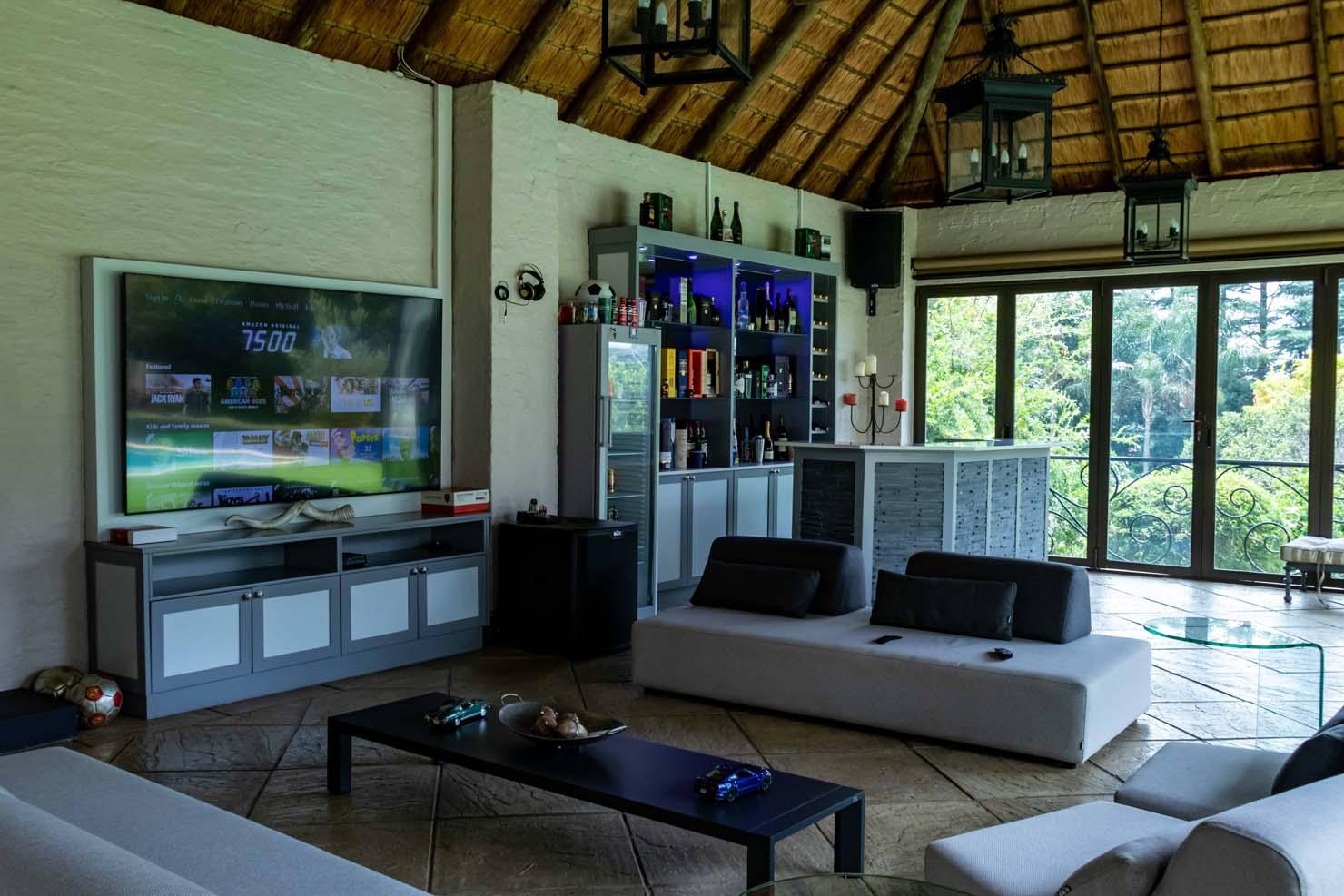 Riven Stone and Magnolia Stone Island Bar